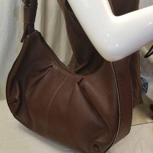 Vera Pelle Shoulderbag.  Brown pebbled leather.